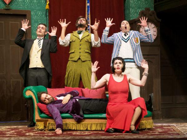 """""""Che disastro di commedia"""" al Teatro Carcano"""