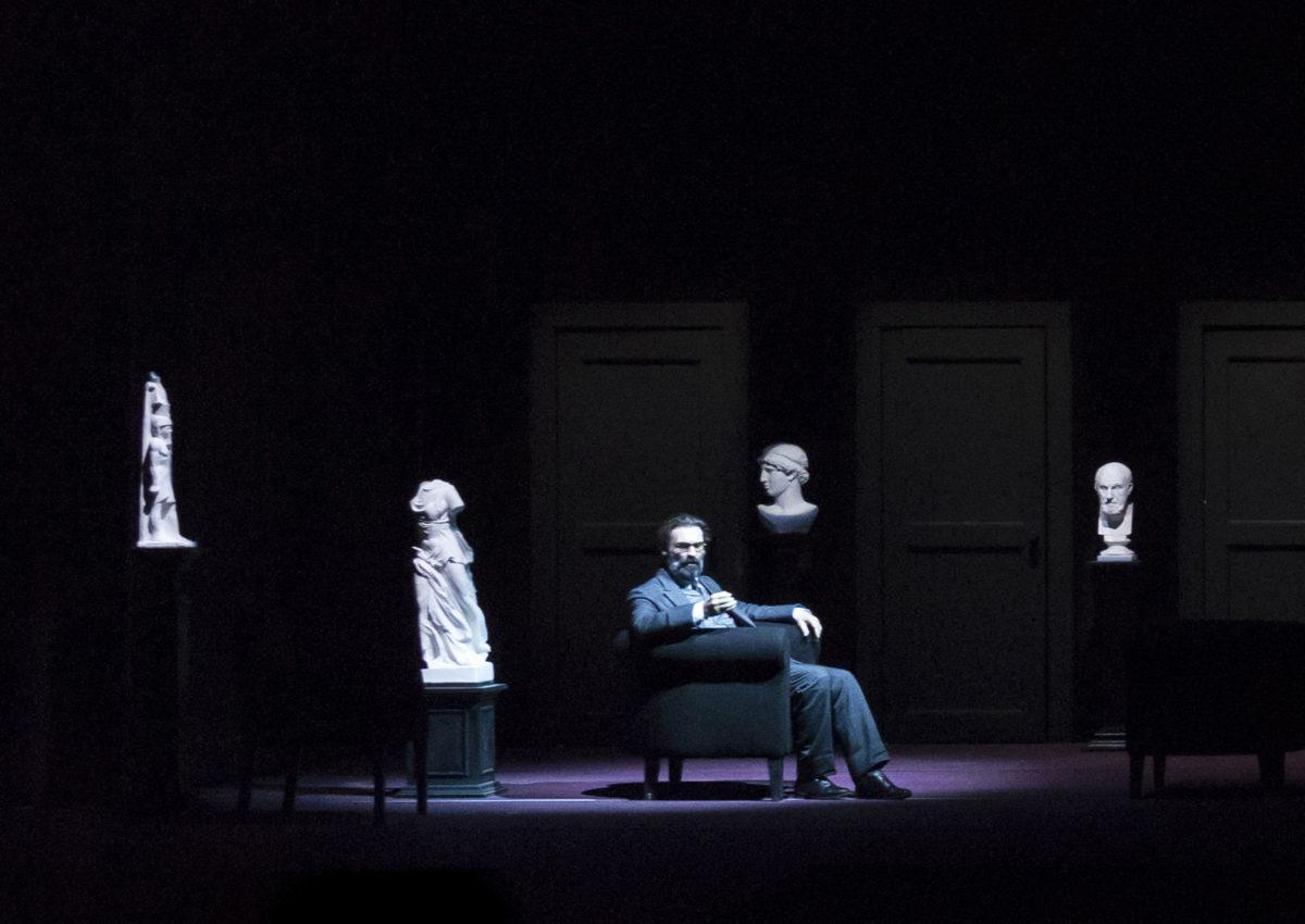 """""""Freud o l'interpretazione dei sogni"""" al Piccolo Teatro Strehler"""